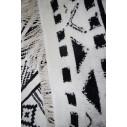tapis kilim chargé noir et blanc