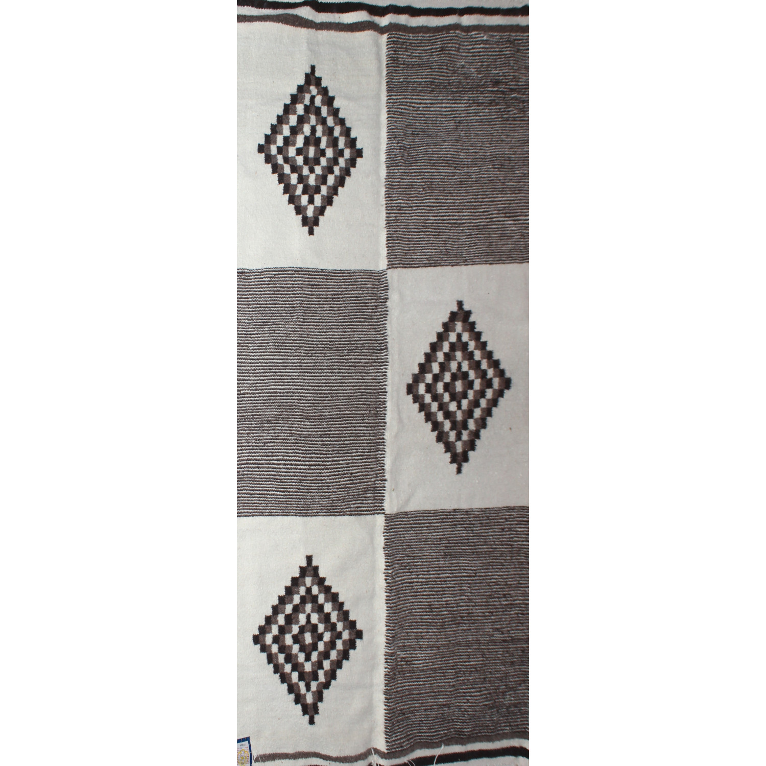tapis kilim marron avec motif losange. Black Bedroom Furniture Sets. Home Design Ideas
