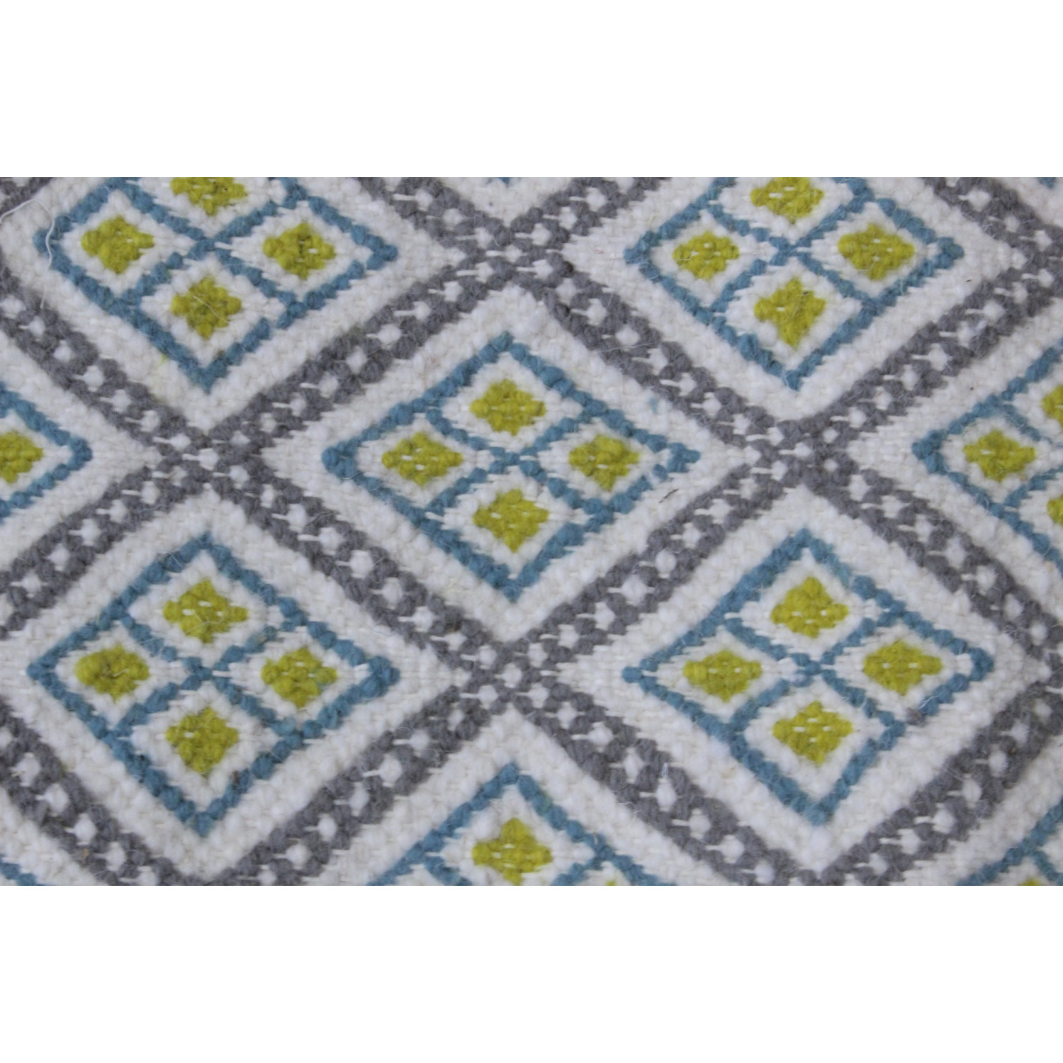 tapis traditionnel motif jaune et bleu. Black Bedroom Furniture Sets. Home Design Ideas